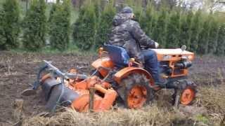 Repeat youtube video Traktorek Kubota 6001 prace polowe wiosna. www.traktorki-japonskie.waw.pl