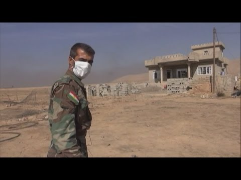 Iraq: Kurdish forces carry out risky demining operations in Mosul
