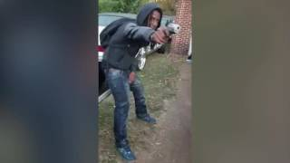 Gun-wielding Alabama Mannequin Challenge leads to 2 arrests; weapons and drugs seized(A gun-wielding Mannequin Challenge video led to the arrest of two men and the seizure of several firearms and marijuana at a north Alabama home. The video ..., 2016-12-06T16:21:51.000Z)