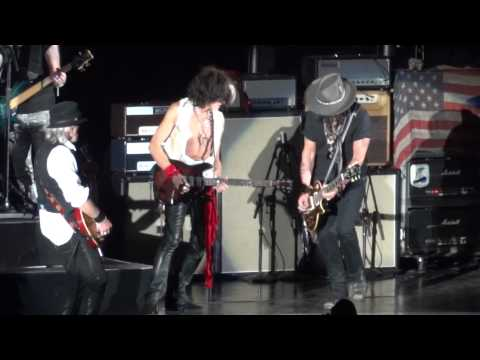Aerosmith and Johnny Depp - Train Kept A Rollin' 8/6/12