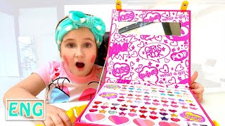 Annie pretend play with makeup toys