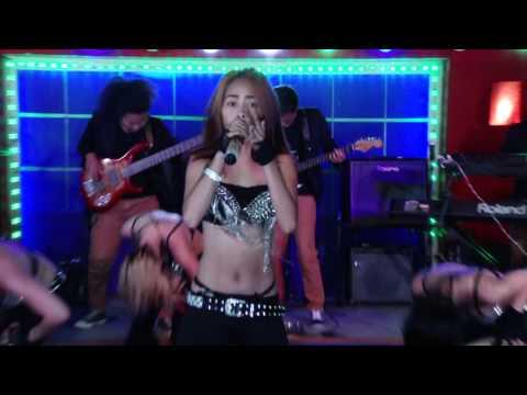 Showgirls Philippines Band (Bang Bang)