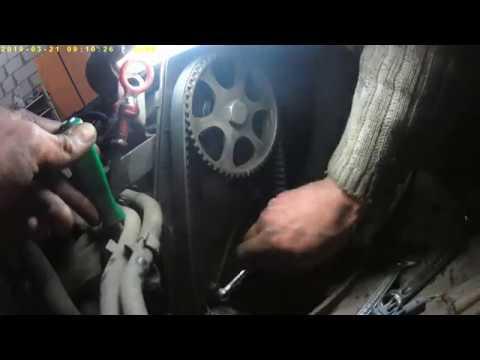 Замена ремня ГРМ и помпы VW Golf 3