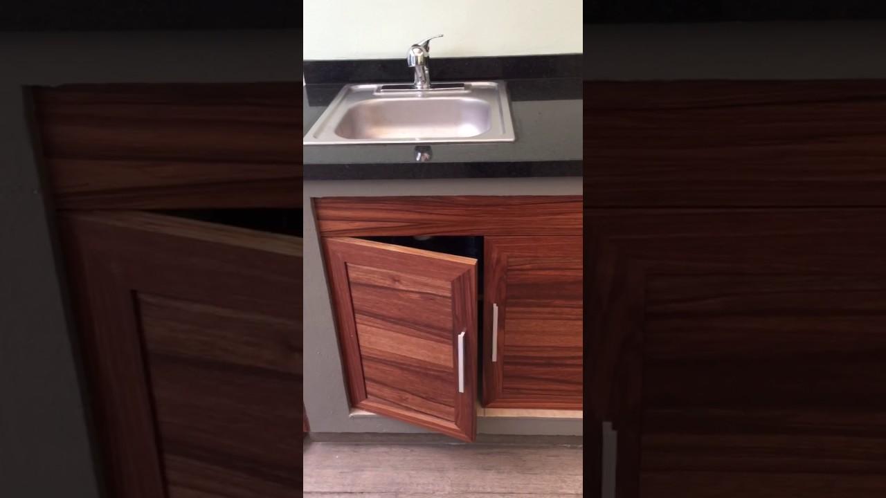 Mueble tarja con sistema de bisagras cierre suave - YouTube