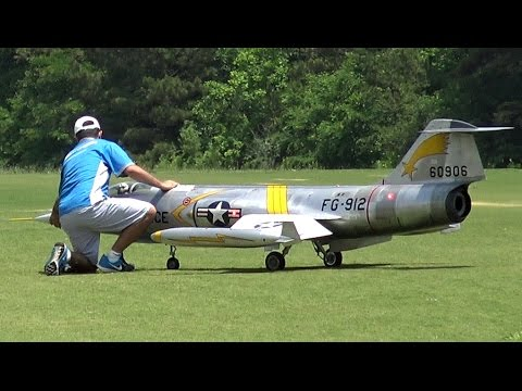 Thumbnail: Giant Rc F-104 Starfighter