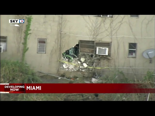 Driver killed when car crashed into apartment building in Miami