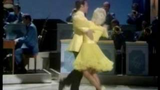 Cissy & Bobby dance to Chicago