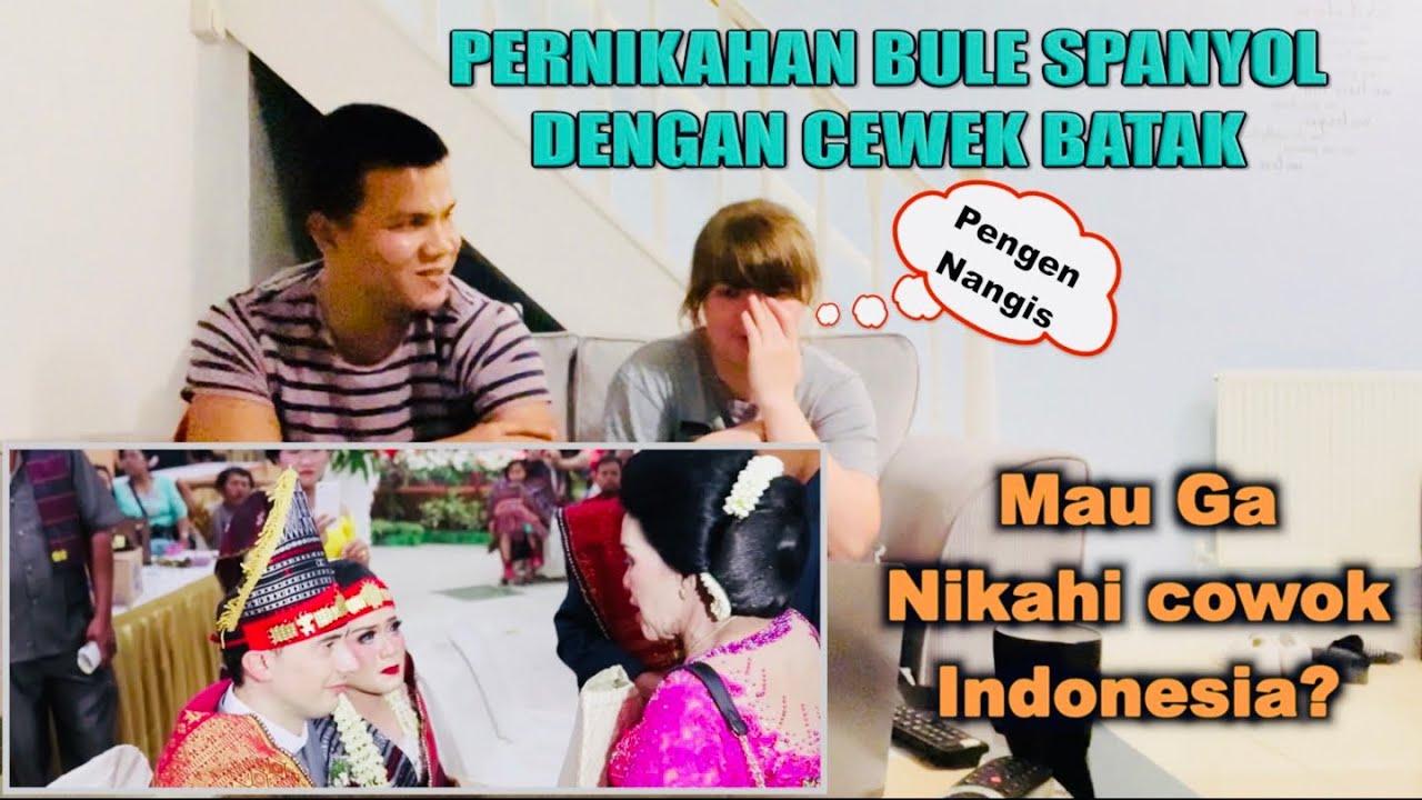 Reaksi Sylvia Nangis Lihat Pernikahan Bule Adat Batak - SUMATERA UTARA 🇮🇩