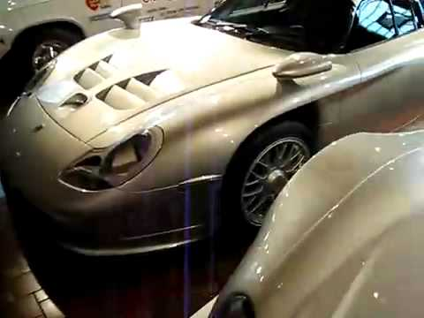 super car garage 2 ferrari porsche bugatti veyron mclaren f1 youtube. Black Bedroom Furniture Sets. Home Design Ideas
