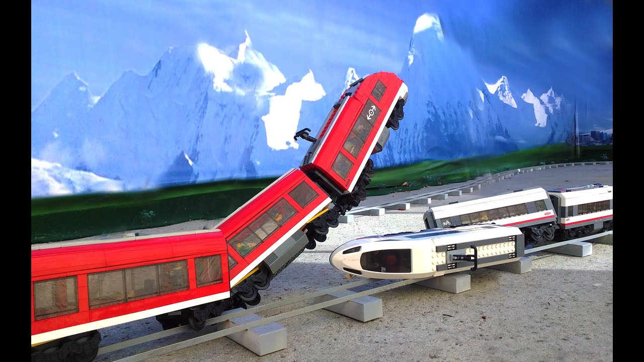 lego white train vs red