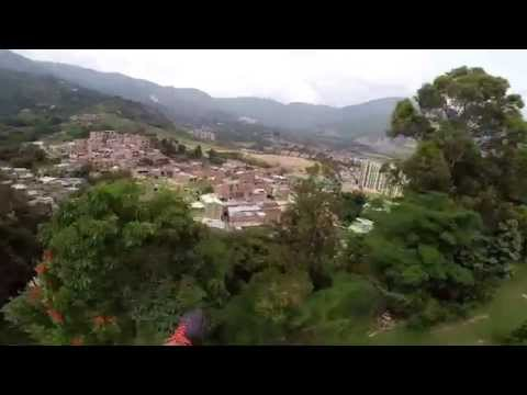 Paragliding instructor has seizure and passes out - Medellin
