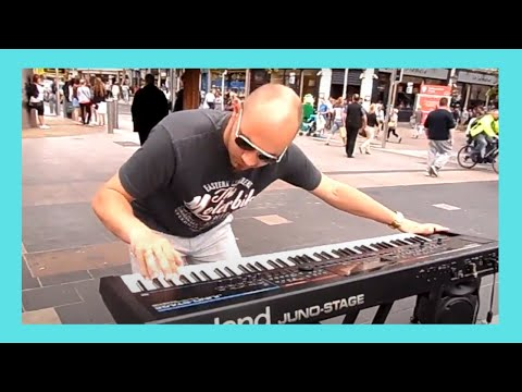 Amazing  PIANO PLAYER in the center of DUBLIN, IRELAND