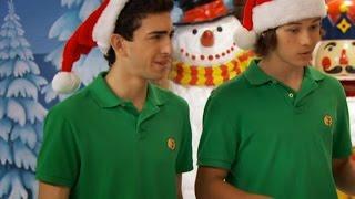 В ударе! (Сезон 2 Серия 24) О, Святые Рождественские Козинаки! l Новогодний Сериал Disney