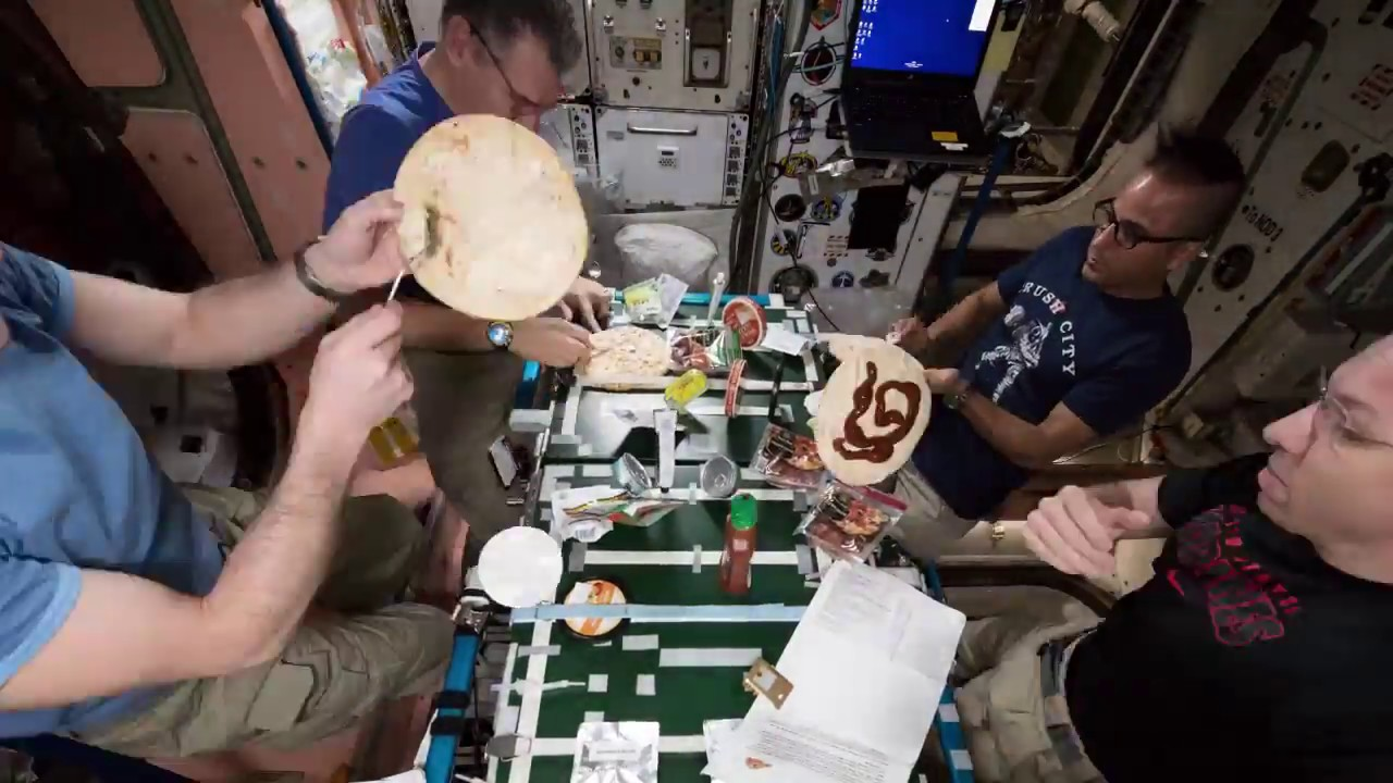 do astronauts eat pizza in space - photo #37
