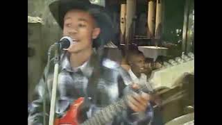 Salim Junior / Sam Kinuthia - Ann