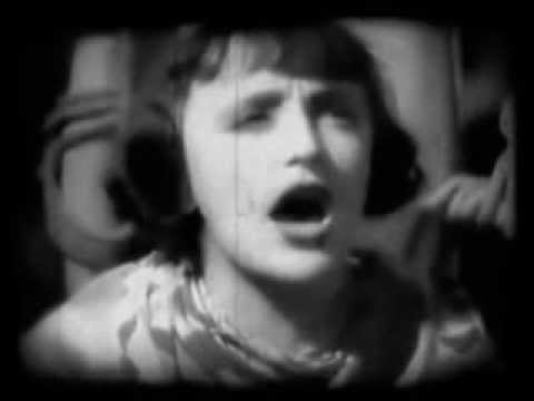 Edith Piaf - Dans La Garçonne 1936