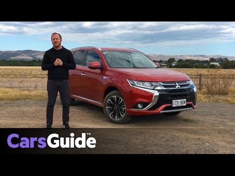 Mitsubishi Outlander PHEV LS 2017 Review   First Drive Video