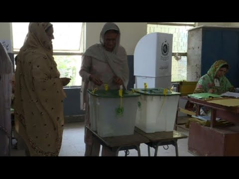 Pakistan: ouverture des bureaux de vote pour les législatives youtube