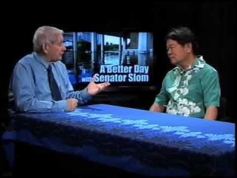 Senator Sam Slom talks to Lowell Kalapa of the Tax Foundation of Hawaii