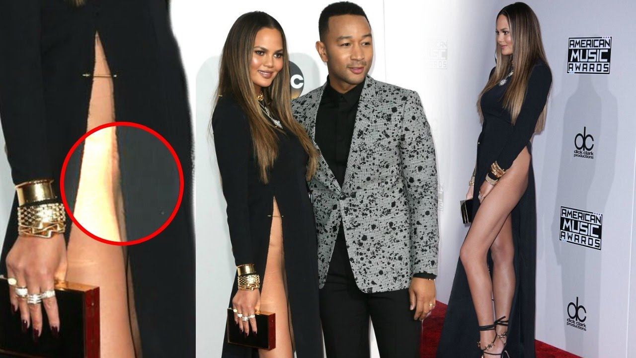 Chrissy Teigen Goes Without Underwear Wardobe Malfunction