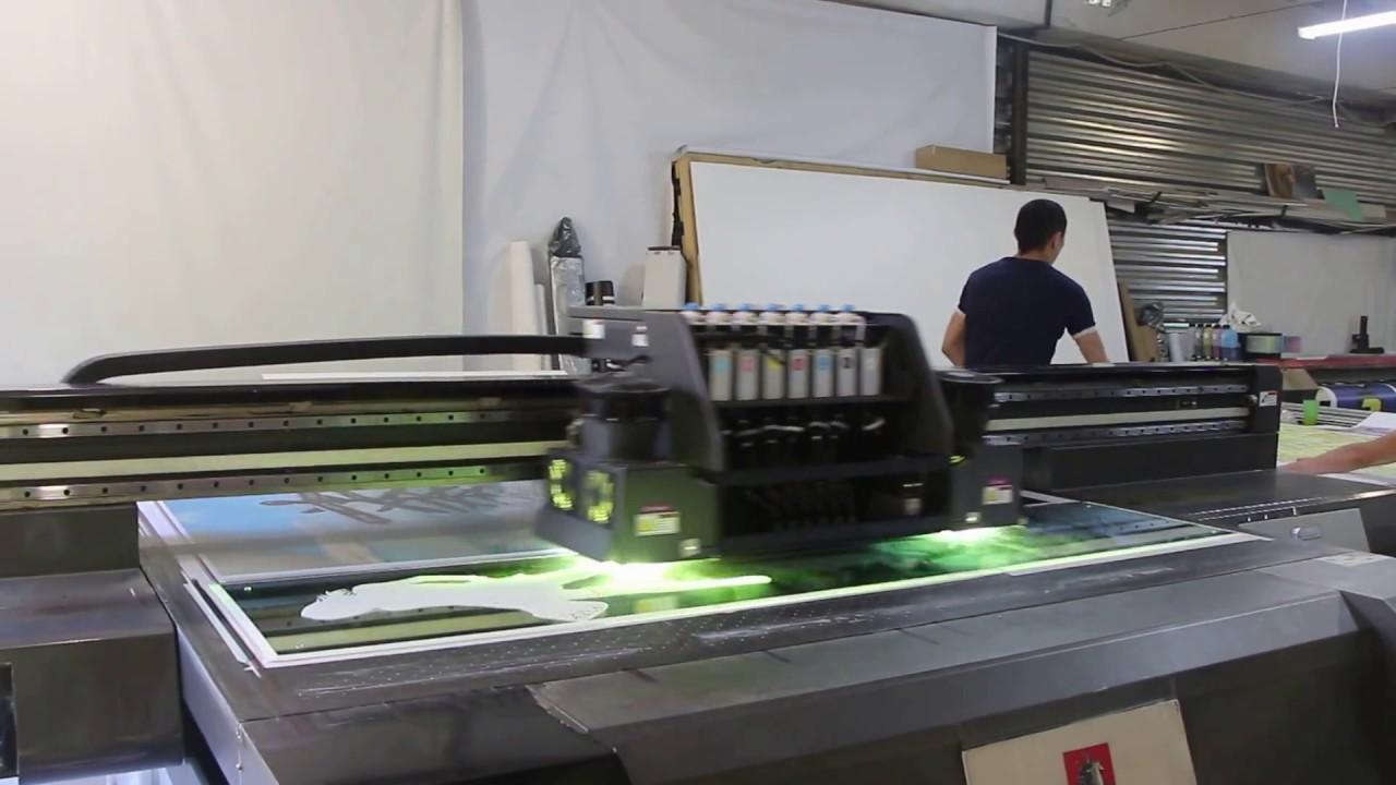 Прямая УФ печать изображения на стекле
