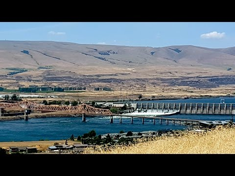 E 9th Street The Dalles Or (Drone with Music)
