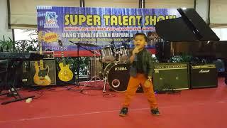davier danish perform dg lagu penutup acara super talent show dg lagu seperti mati lampu