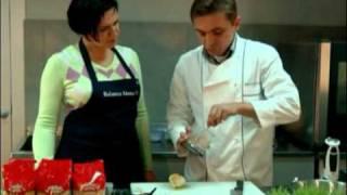 Видео-рецепт: Филе индейки, запеченное в груше