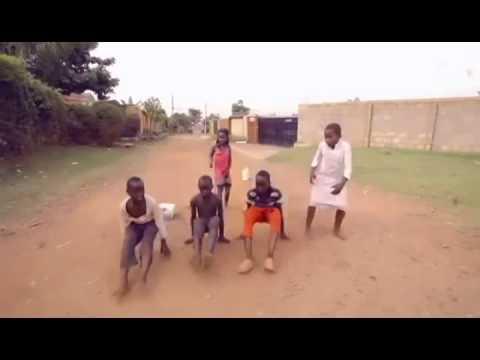 Ghetto Kids Dancing EDM