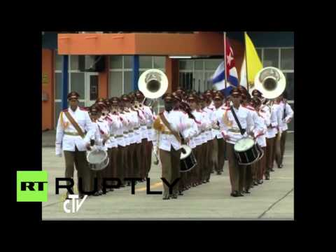 Cuba: Raul Castro greets Pope as pontiff kick-starts US-Caribbean tour