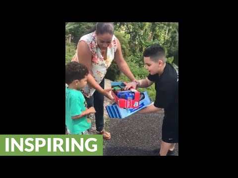 8-year-old Boy Collects 1,100 Toys For Children Of Puerto Rico