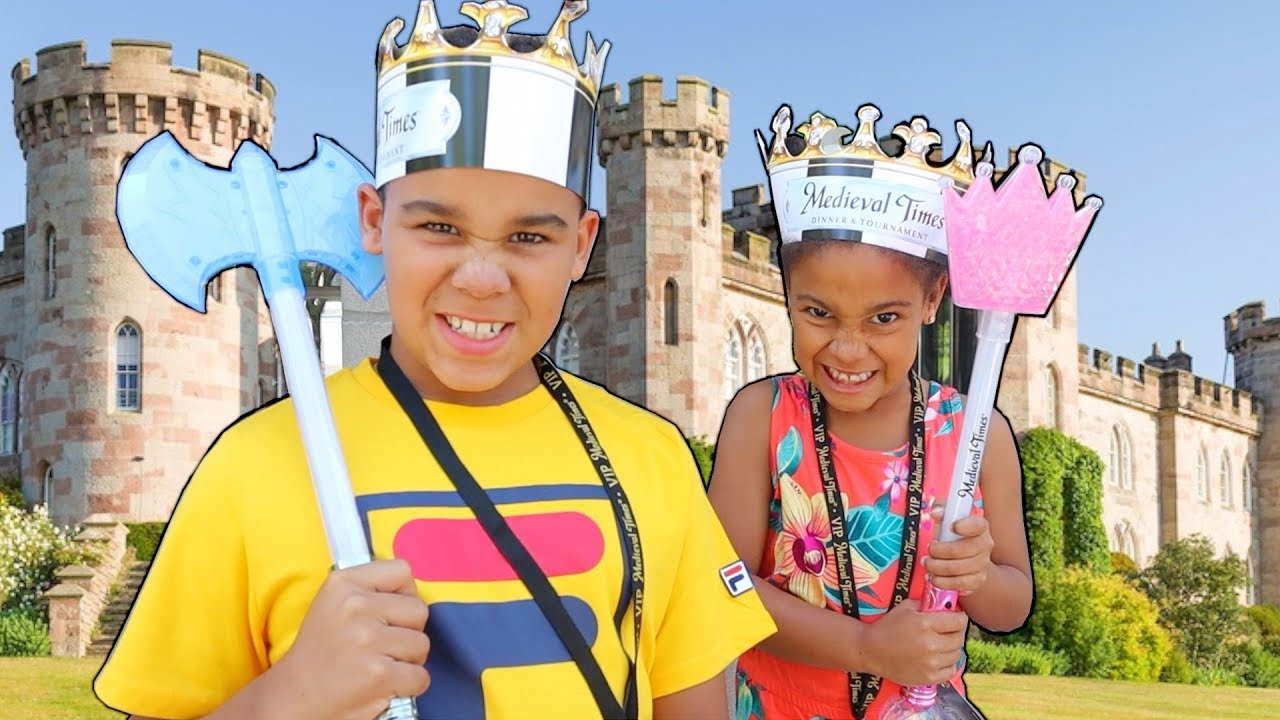 FamousTubeKIDS Go to REAL LIFE Castle!