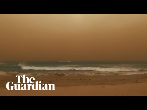 Film-maker Captures Dust Storm Enveloping Western Australia Beach