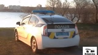 """В Николаеве """"голого"""" патрульного """"застукали"""" в авто с коллегой"""