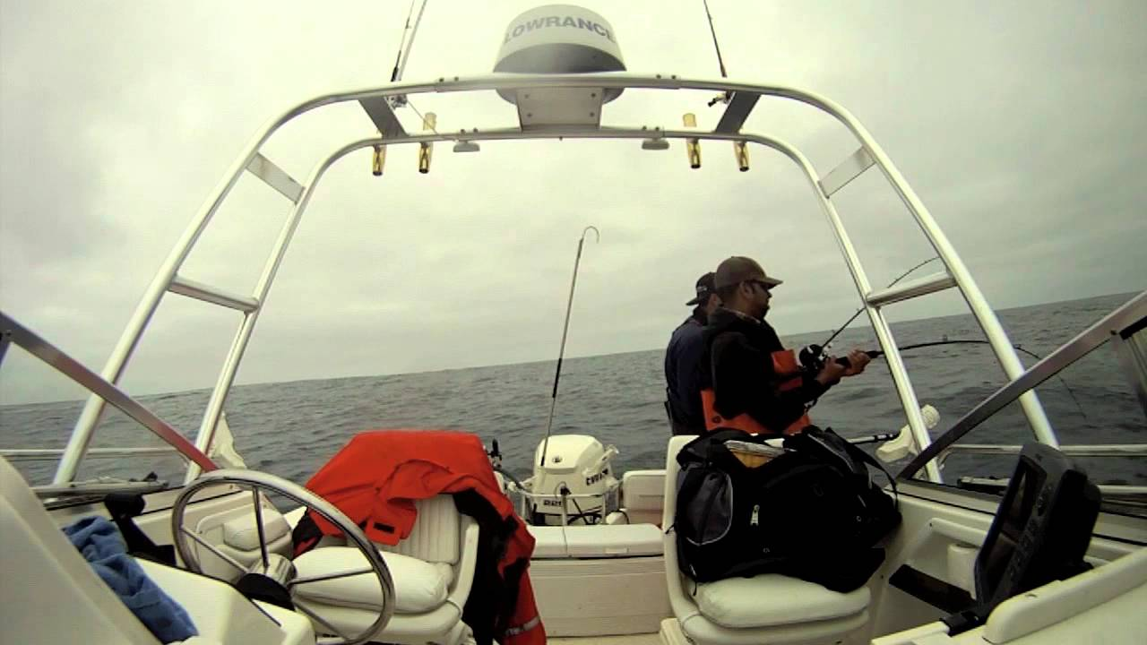 Epic half moon bay albacore tuna fishing youtube for Half moon bay fishing report