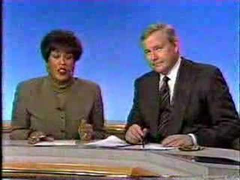 WBZ 11PM News Open - 2/9/95