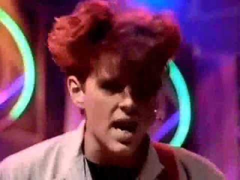 Thompson Twins - Hold Me Now (1983) Top Of The Pops