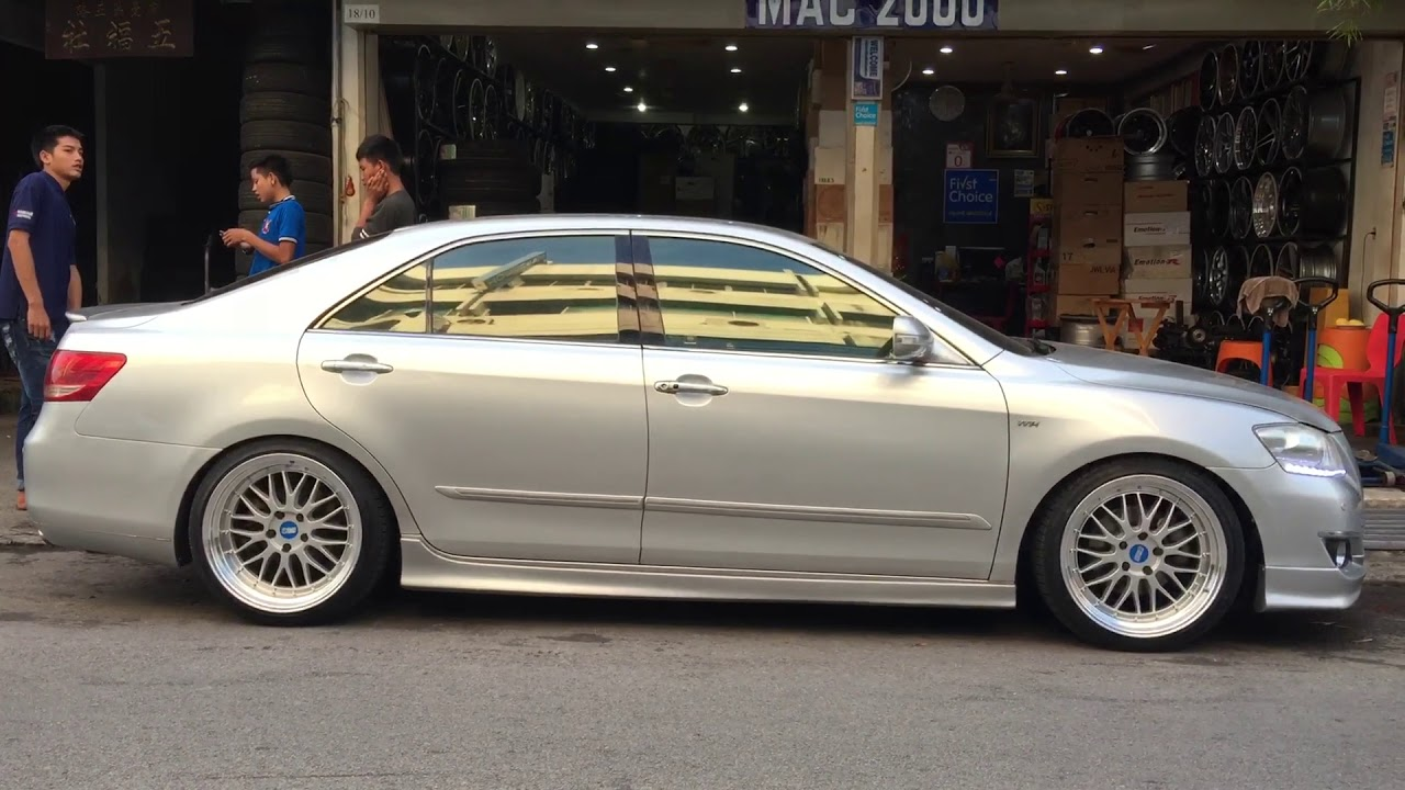 hight resolution of toyota camry vs bbs lm 18 accelera tire
