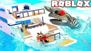 ESCAPE GIANT SKELETON SHARK IN ROBLOX! (ROBLOX SHARK SIMULATOR)
