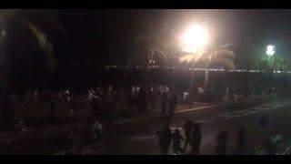 Images amateur - Attaque terroriste à Nice : Un camion fonce dans la foule - 30 morts évoqués