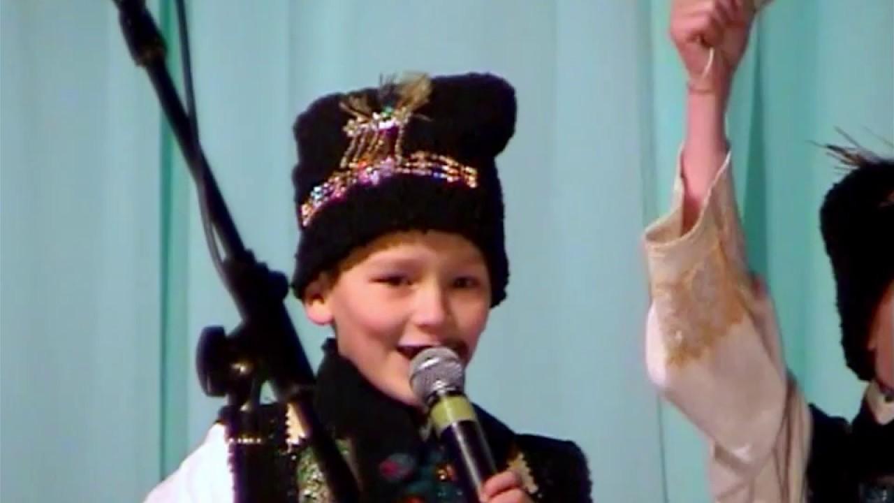 Colinde si uraturi a copiilor la concertul de Revelion , Voloca | 2006
