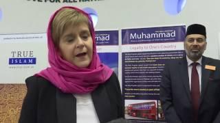 Nicola Sturgeon visits Ahmadiyya Mosque in Glasgow