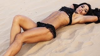 Andreia Brazier - Hot girl with amazing abs