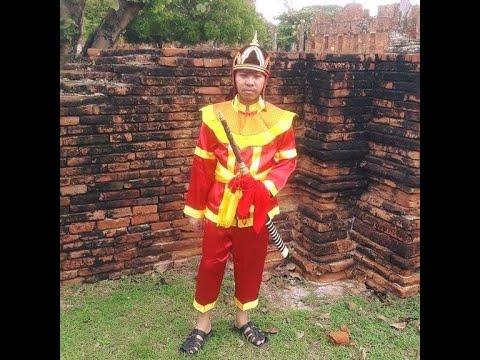 ท่านขุนว้อบ ใส่ชุดทหารไทยโบราณ