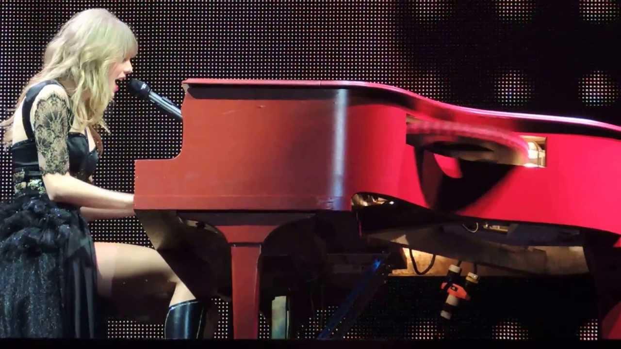 "Taylor Swift - ""A... Taylor Swift Tour"