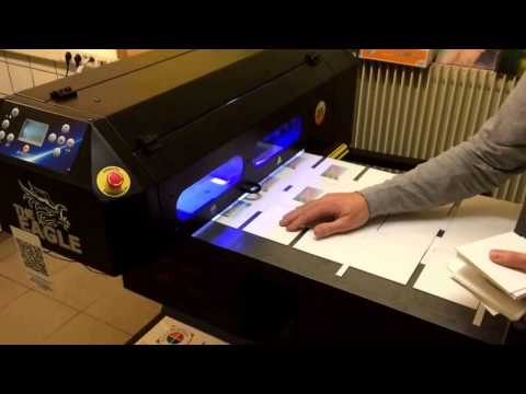 Impression en continu de cartes postales, boites sur machine UV Eagle 40