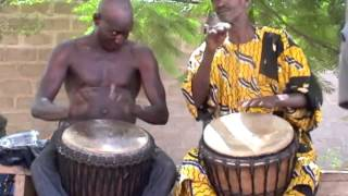 The Late Great Mali Master Drummer (Djembe Fola) Aruna Sidibe w/ Brulye Dounbia in Mali (HD)