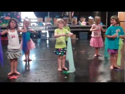 Clare Performs 'Baby Beluga'