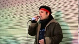 所沢出身シンガー、ゴリ山田カバ男さんが路上で歌っている 中西保志さん...