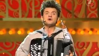 FUNNY RUSSIAN MUSICIAN :D:D